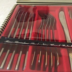 Vintage Dining - Stateless Steel Silver 24 Piece Set